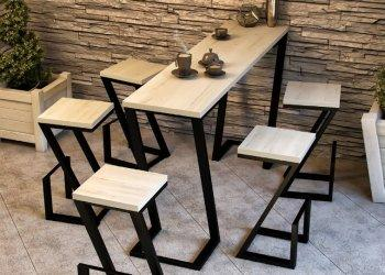 Stark krzesła z stolikiem